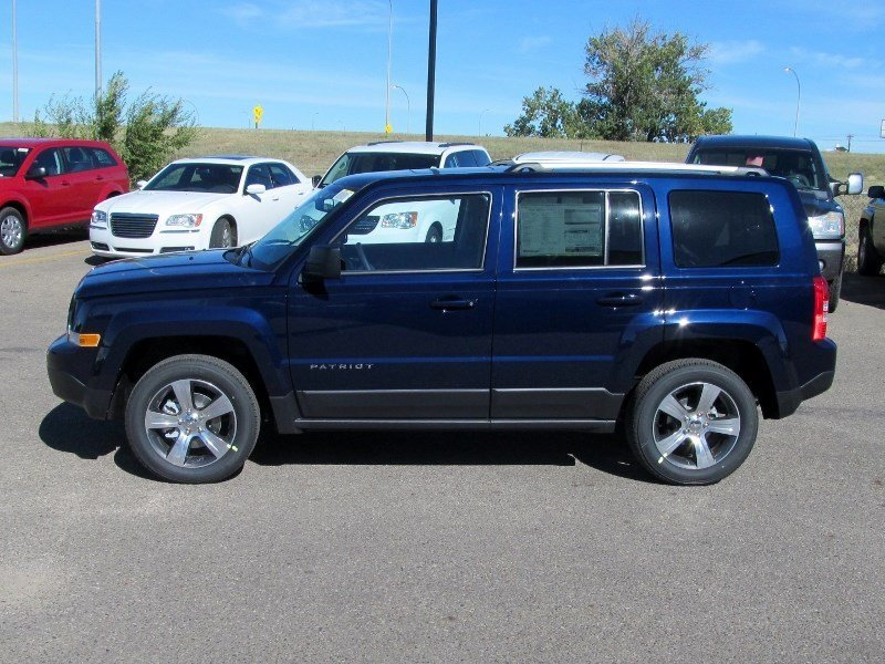 Pre Owned 2017 Jeep Patriot High Alude 4x4 Leather Sunroof Remote Start