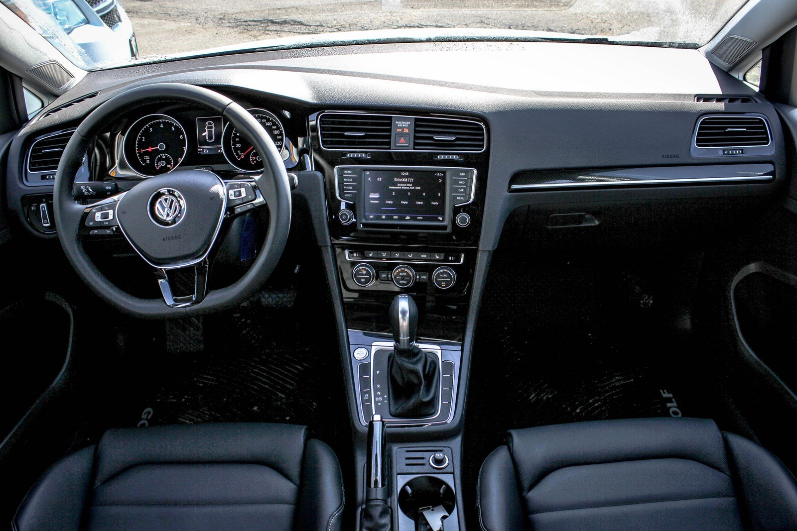 new 2017 volkswagen golf sportwagen highline awd w leather panoramic sunroof navigation station. Black Bedroom Furniture Sets. Home Design Ideas